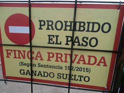 http://www.ecestaticos.com/image/clipping/585/55a7c641370f0655209575e105ee10d4/carteles-disuasorios-en-la-finca-romanillos.jpg